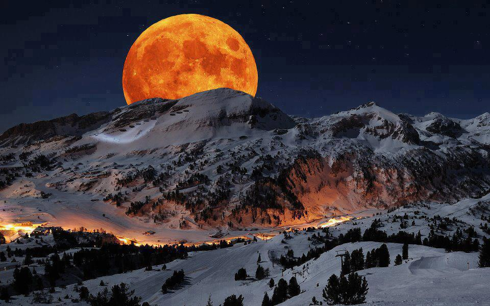 visiting place,Beautiful Places,Inspire You,Make you feel good…image of Full moon ,at Sierra Nevada Sequoia National Park California USA.